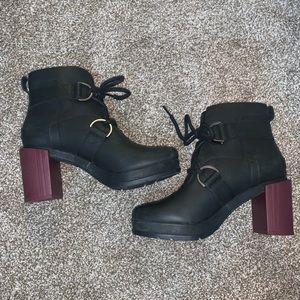 Sorel Black Bootie with Maroon Heal
